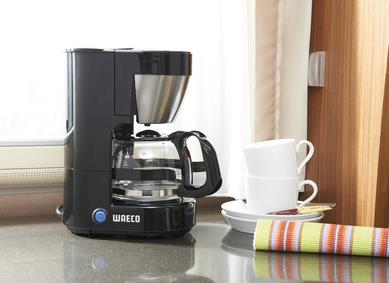 Besides performance, the new coffee maker WAECO PerfectCoffee MC 052/054 excels with its highly contemporary design, smart details and tailor-made accessories, such as the stylish dosing scoop.