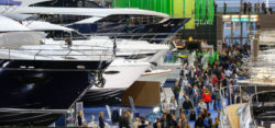 Superyachts & luxury yachts