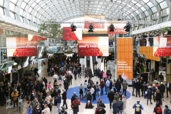 Photo: Videowall and banner in entrance hall of the trade fair