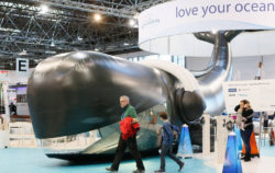"""love your ocean""-Stand at boot 2017 / © MD / CT"