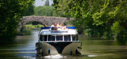 boating without licence on houseboats