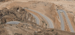 Desert roads in Oman / Foto: ©Bettina Wienert
